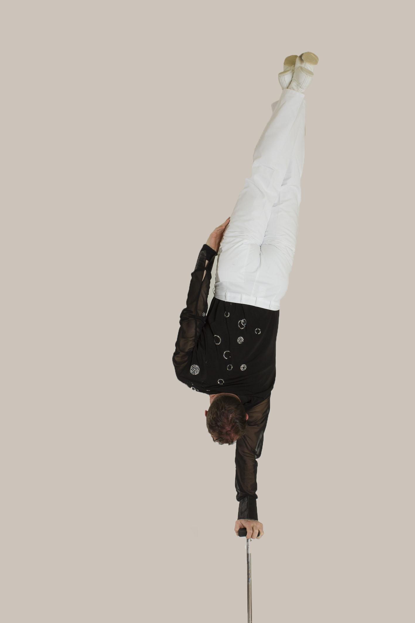 Handstand 3
